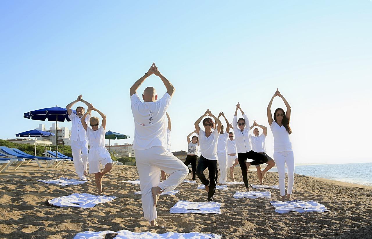 yoga 1757383 1280 - 三つの段階的ヨガコース