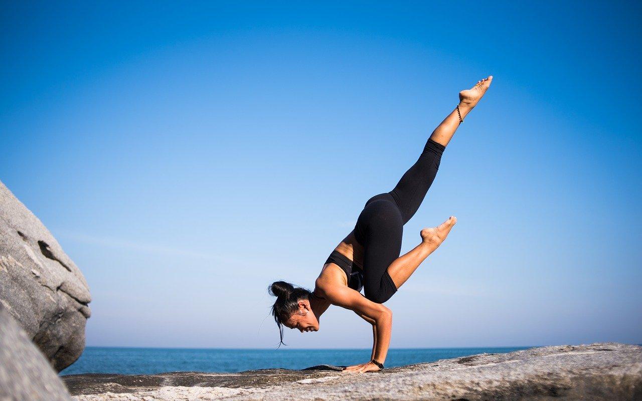 yoga 2587066 1280 - ヨガで万病知らず